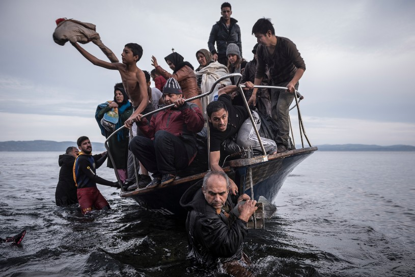 p73-sergey-ponomarev-reporting-europes-refugee-crisis-01