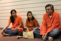 Manish and Vidhi Jain spent a week onboard Peace Boat. They were accompanied by their 11 year-old daughter, Kanku.